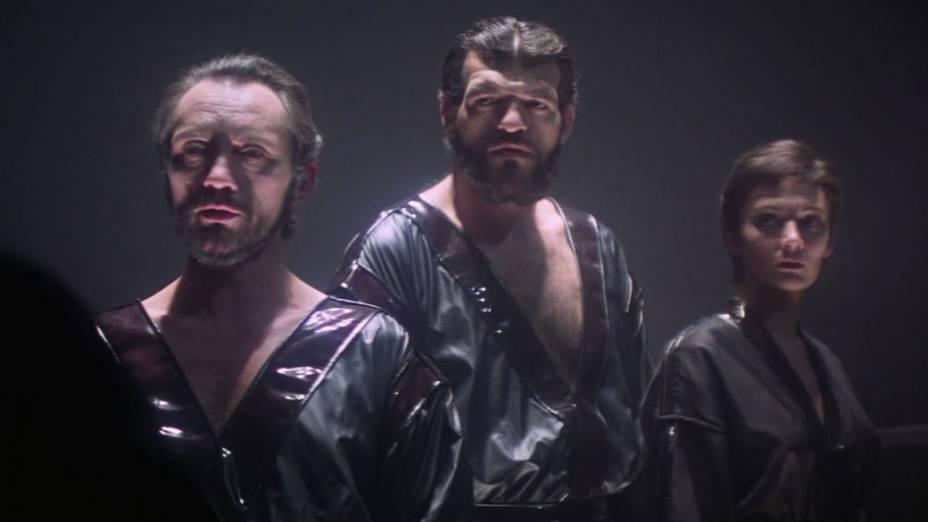 O vilão general Zod (Terence Stamp) e seus capangas