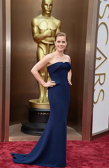 Amy Adams no tapete vermelho do Oscar 2014
