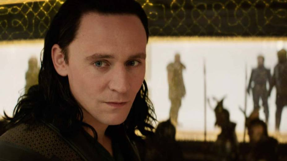 O ator Tom Hiddleston como Loki no filme Thor: O Mundo Sombrio