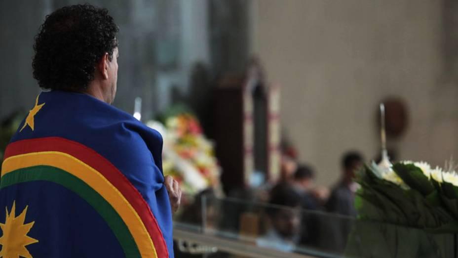 Parentes e amigos prestam homenagem no velório do cantor e compositor Dominguinhos, na Assembleia Legislativa de São Paulo