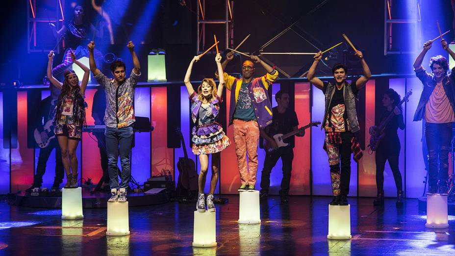 Cena do espetáculo Violetta ao Vivo