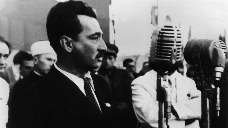Jorge Amado em reunião para o Congresso Mundial pela Paz em Bucareste, România, em 1950