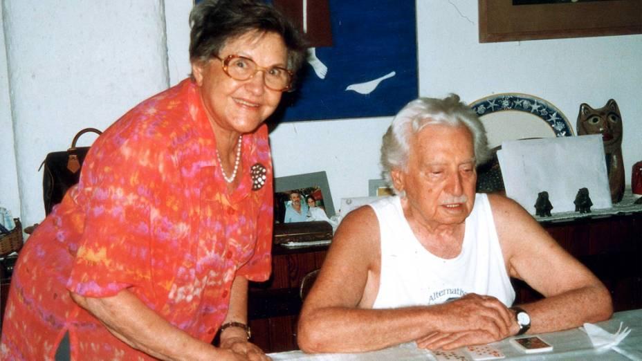 Zelia Gatai e Jorge Amado na casa do casal em Rio Vermelho, Salvador