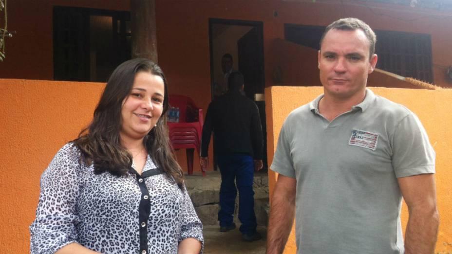 Fábio e Patrícia investiram 300.000 reais em produtos para vender no dia da missa do papa, em Guaratiba
