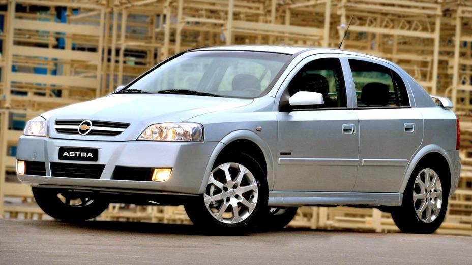 Chevrolet Astra Hatch: fim de linha no primeiro semestre