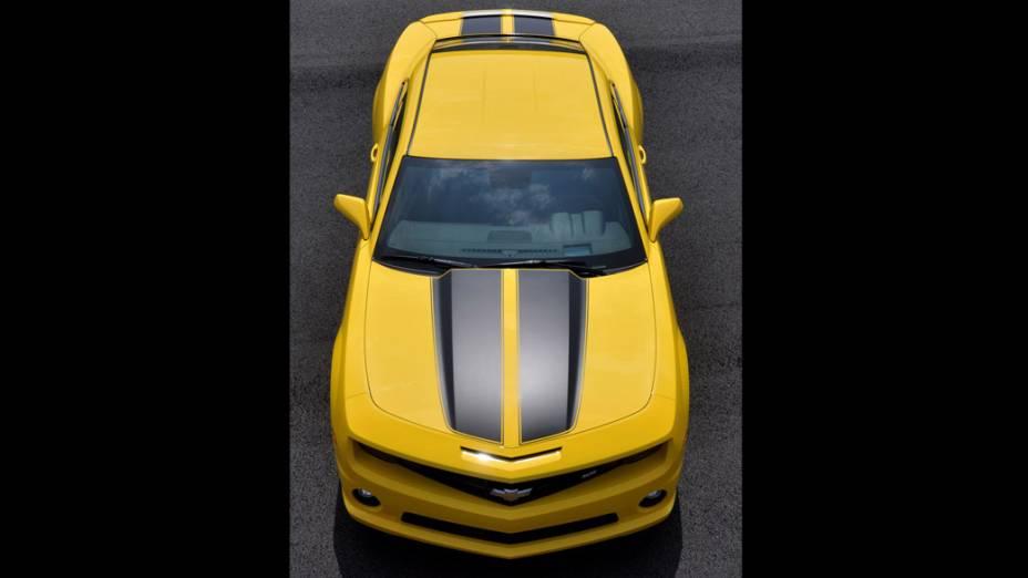 O Camaro só desembarcou no Brasil em novembro de 2010, meses após chegar nas lojas dos EUA, e apenas na versão topo de linha SS. Seu preço de lançamento era de 185.000 reais. Com o reajuste do IPI neste ano, a tabela sugerida do carro saltou para 201.000 reais