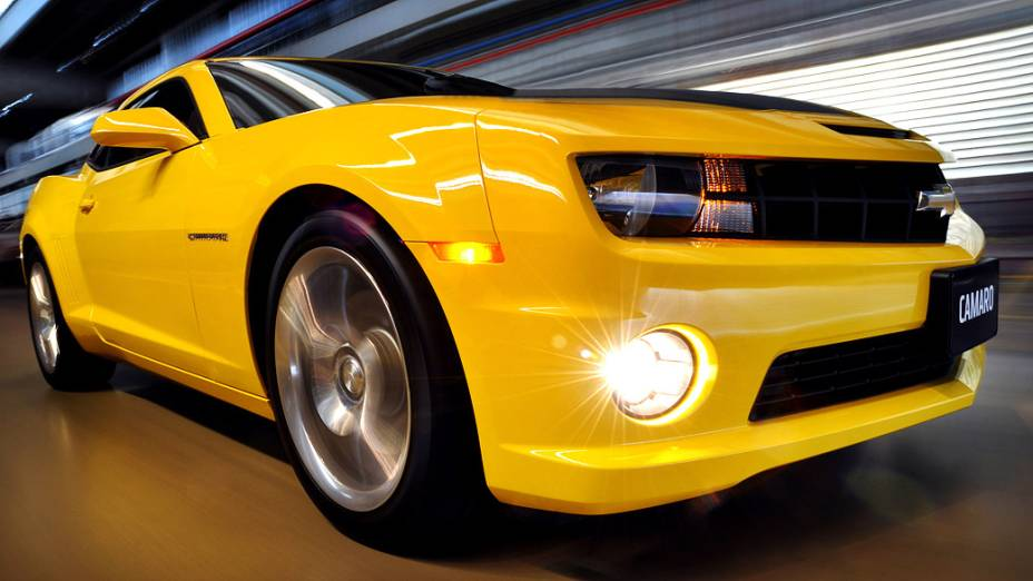 O Chevrolet Camaro foi lançado oficialmente nos Estados Unidos em meados de 2008 e é praticamente idêntico ao protótipo apresentado pela primeira vez no Salão de Detroit de 2006