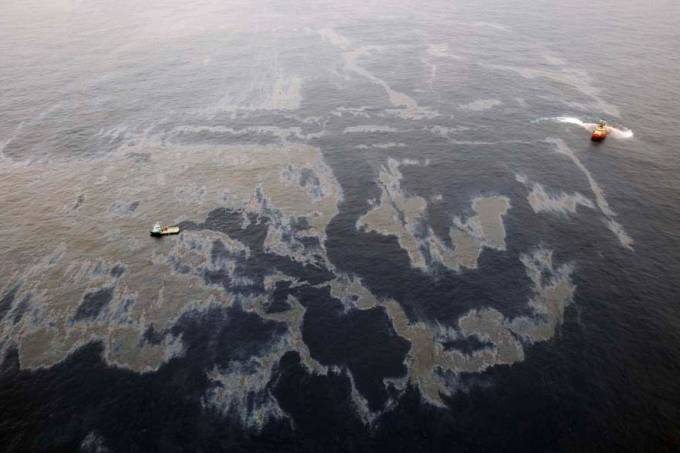 chevron-vazamento-oleo-rio-de-janeiro-20111121-04-original.jpeg