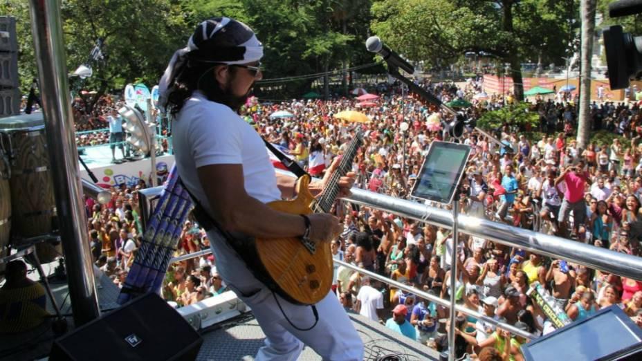 Chiclete com Banana toca no circuito Campo Grande em Salvador