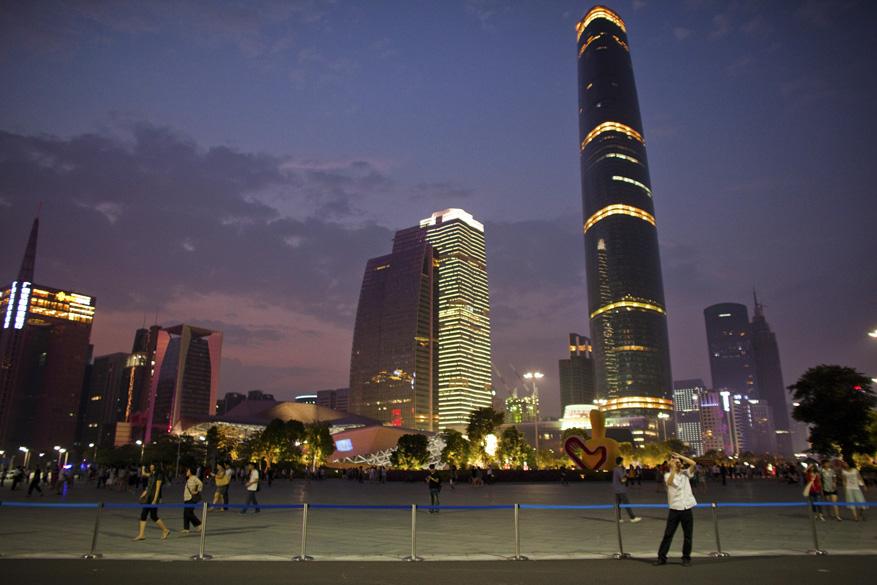 Com mais de 100 milhões de habitantes, a província de Guangdong teve, em 2009, um PIB de 572 bilhões de dólares, quase duas vezes maior que o da Colômbia