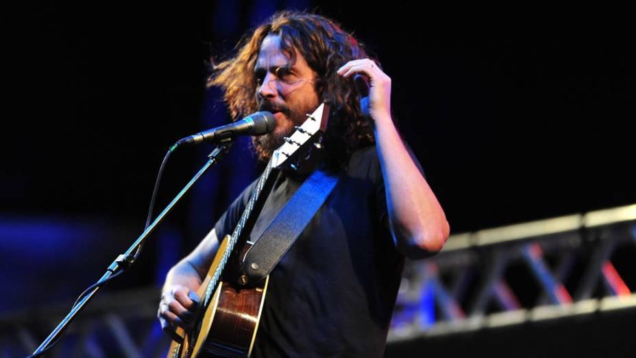 Chris Cornell durante show no palco Energia & Consciência, no segundo dia do festival SWU em Paulínia, em 13/11/2011