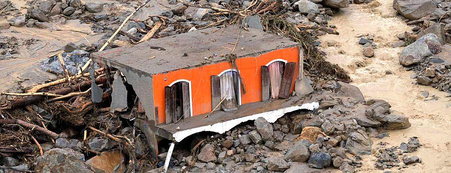 Destruição provocada pelas chuvas em Teresópolis, Rio de Janeiro - 13/01/2011