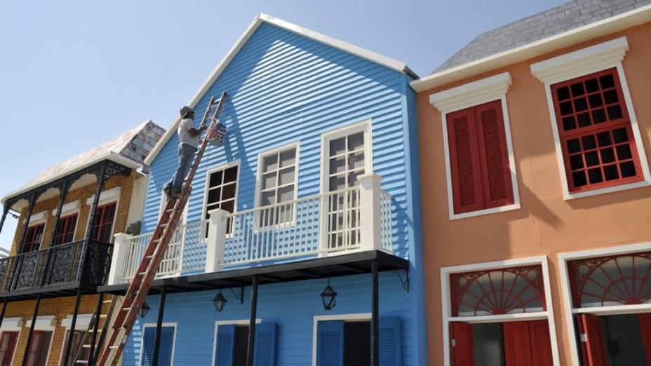 A pintura das construções na Cidade do Rock