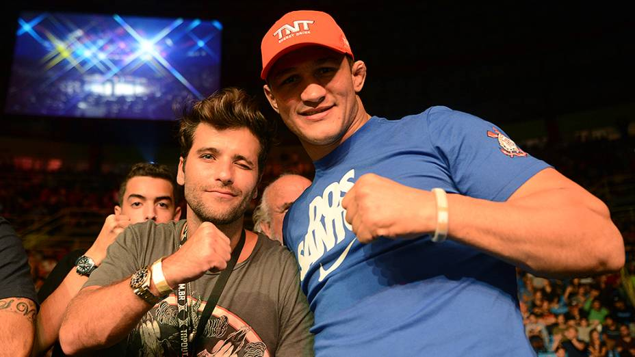 Bruno Gagliasso e Junior Cigano durante UFC São Paulo no ginásio do Ibirapuera