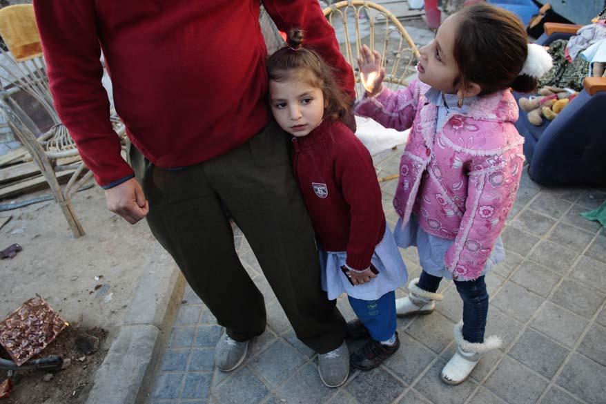 Crianças vão para escola, momentos antes do despejo, Madri