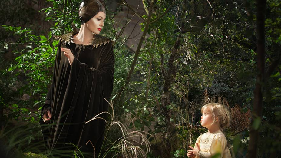 Angelina Jolie contracena com a filha no filme Malévola, da Disney