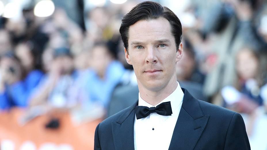 Benedict Cumberbatch chega para a exibição do filme O Quinto Estado, sobre Julian Assange e o Wikileaks, no 38º Festival Internacional de Cinema de Toronto