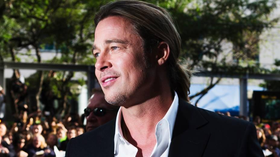 Brad Pitt chega para a exibição do filme 12 Years a Slave no 38º Festival Internacional de Cinema de Toronto