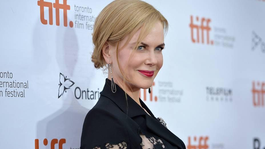 Nicole Kidman chega para exibição do filme The Railway Man durante o 38º Festival Internacional de Cinema de Toronto