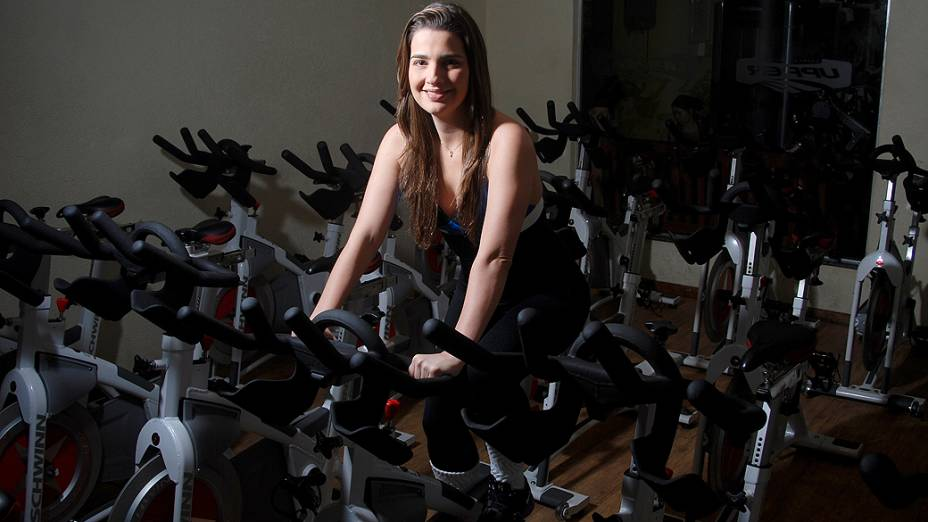 Clarissa Garotinho na academia: malhação e exercício aeróbico três vezes por semana