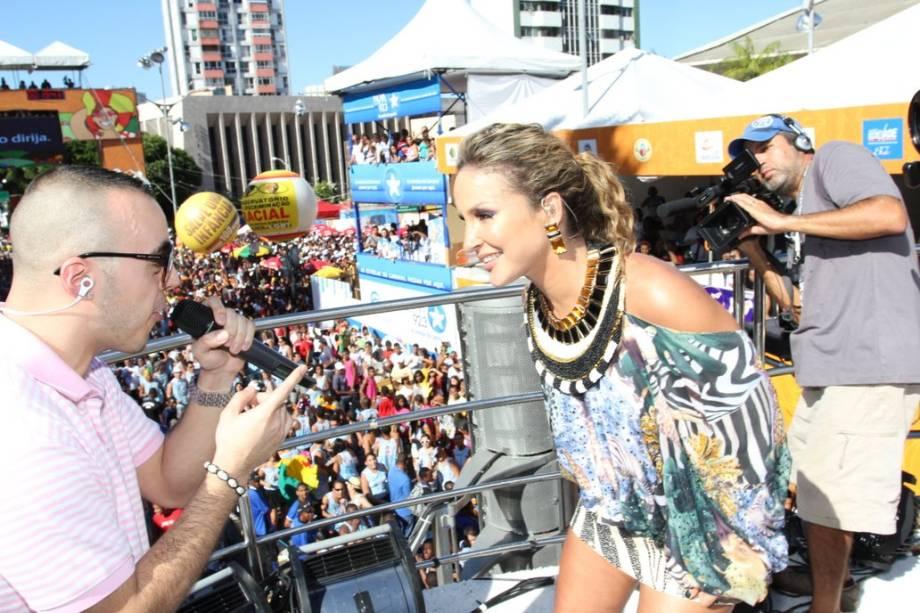 Claudia Leitte e Lucenzo no circuito Campo Grande em Salvador