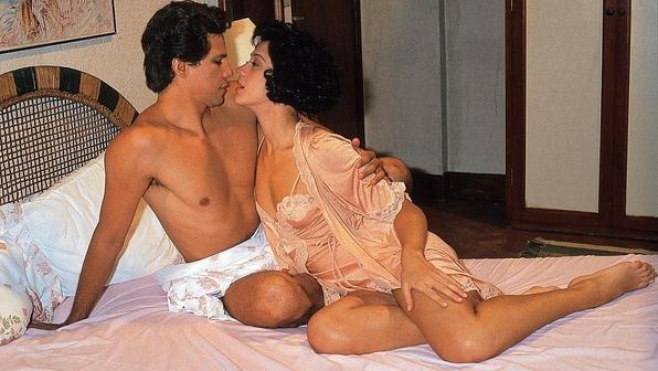 Cláudia Raia e Edson Celulari se apaixonaram durante a novela Deus nos Acuda, de 1992