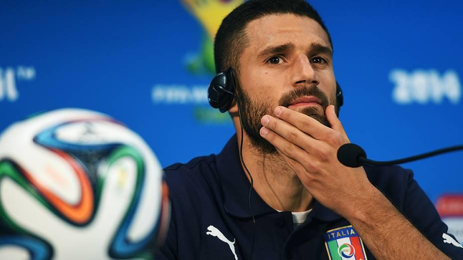 O jogador Antonio Candreva durante coletiva de imprensa da seleção italiana na Arena Amazônia, em Manaus
