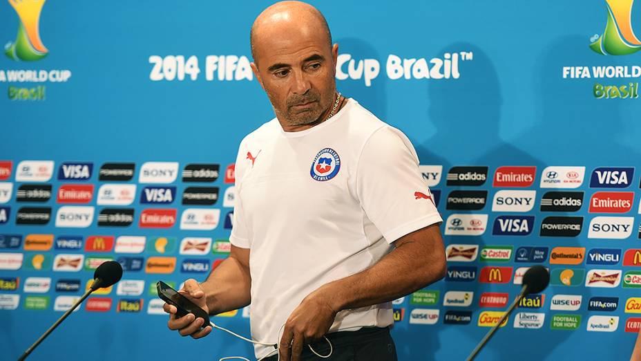 O técnico da Seleção Chilena, Jorge Sampaoli, durante coletiva de imprensa, no estádio Mineirão, em Belo Horizonte