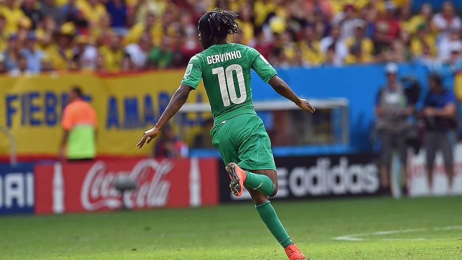 Gervinho comemora gol da Costa do Marfim