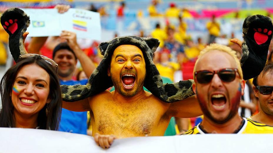 Colombianos na partida contra a Costa do Marfim
