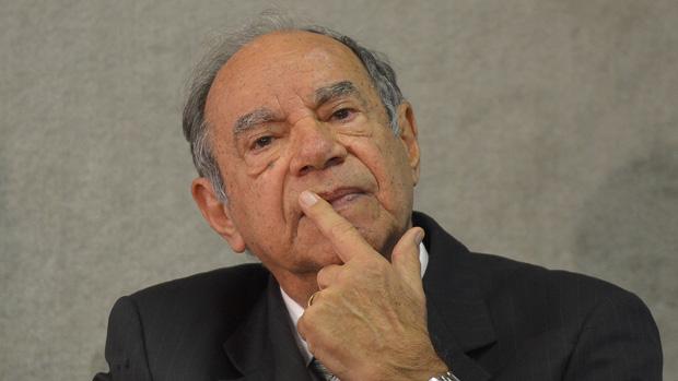 O coronel reformado Carlos Alberto Brilhante Ustra, que comandou o Destacamento de Operações de Informações do Centro de Operações de Defesa Interna do 2º Exército em São Paulo (DOI-Codi-SP), entre 1970 e 1974, presta depoimento à Comissão Nacional da Verdade