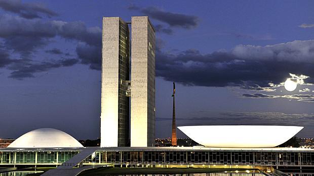 congresso-noite-20010218-original.jpeg
