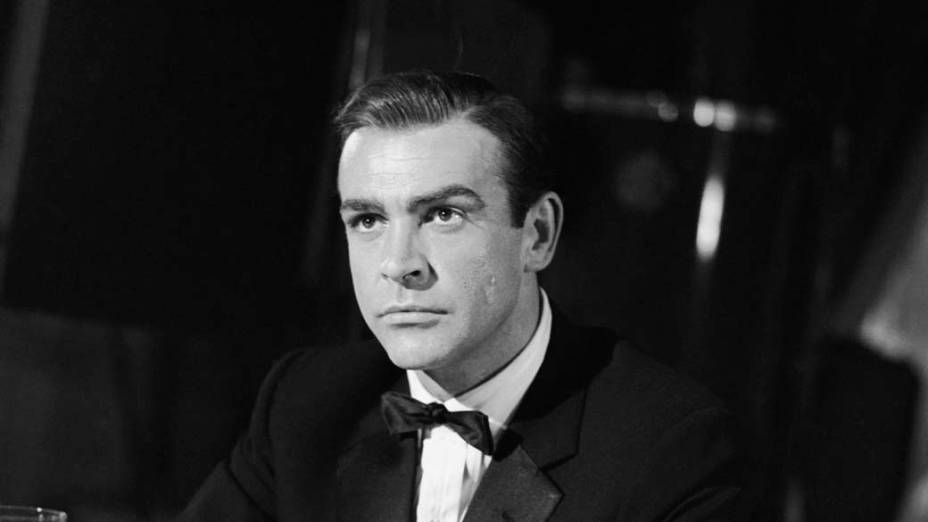 O ator birtânico nos estúdios de filmagem do longa Com 007 só se Vive Duas Vezes, de 1967 - Graham Stark/Hulton Archive/Getty Images