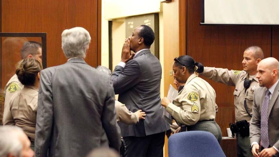 O médico Conrad Murray após ser condenado à pena máxima, quatro anos de cadeia na prisão de Los Angeles, pela morte de Michael Jackson