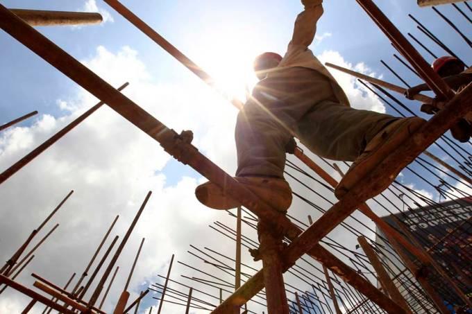 construcao-construtor-escala-andaime-nairobi-quenia-20110923-original.jpeg