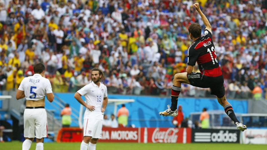 Thomas Müller comemora após marcar gol para a Alemanha contra os Estados Unidos