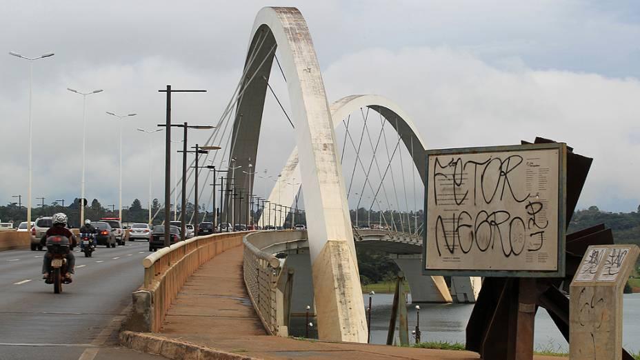 Ponte JK, outro cartão postal esquecido