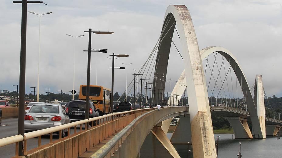 Arcos da construção apresentam desgaste externo
