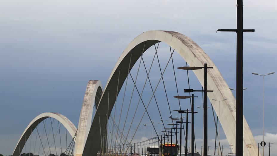 A ponte é um dos cartões postais mais novos de Brasília