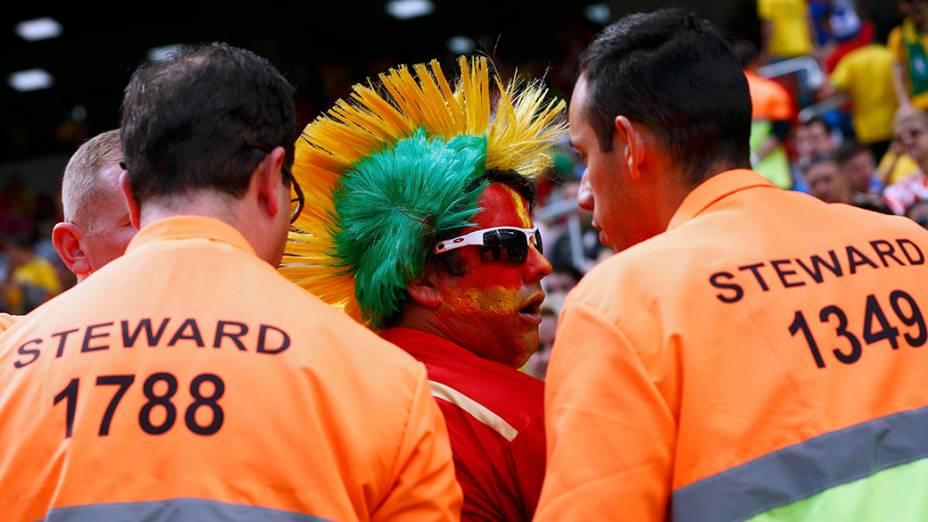 Tocedor da Espanha acompanha partida contra a Austrália, na arena Baixada, em Curitiba
