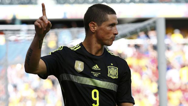 Fernando Torres comemora gol contra a Austrália