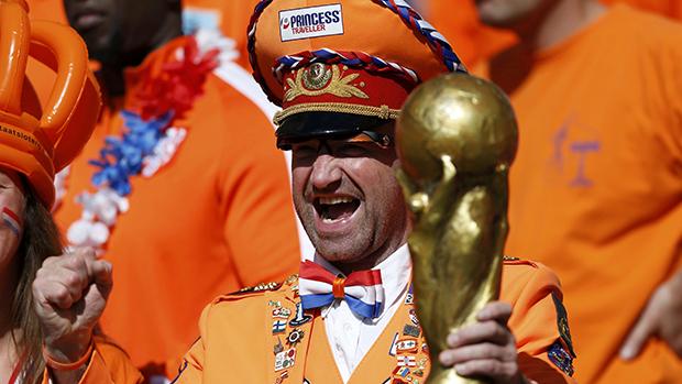 Torcedor da Holanda na partida contra a Austrália, em Porto Alegre