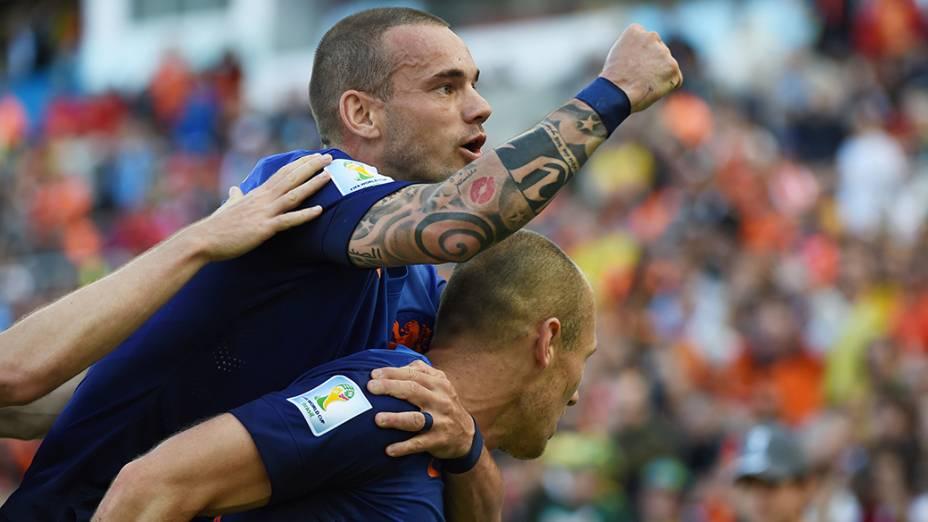 Holandeses comemoram gol contra a Austrália, em Porto Alegre