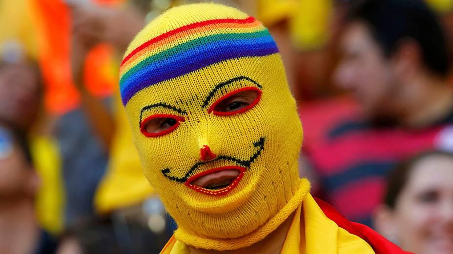 Torcedores da Colômbia na partida contra a Costa do Marfim, em Brasília