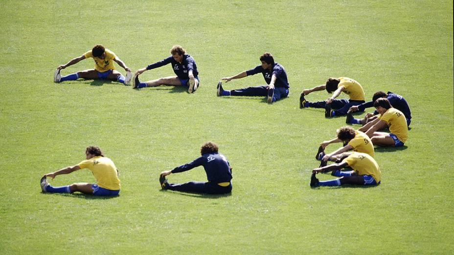 Jogadores do Brasil durante treino na Copa de 1982