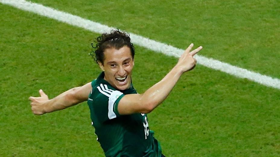 Andres Guardado comemora segundo gol contra a Croácia
