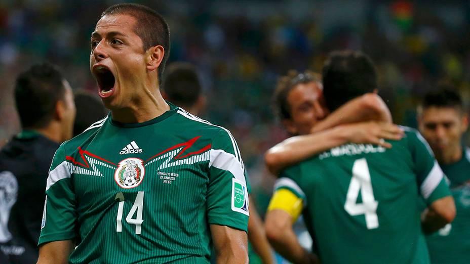 Javier Hernandez comemora terceiro gol contra a Croácia, em Recife