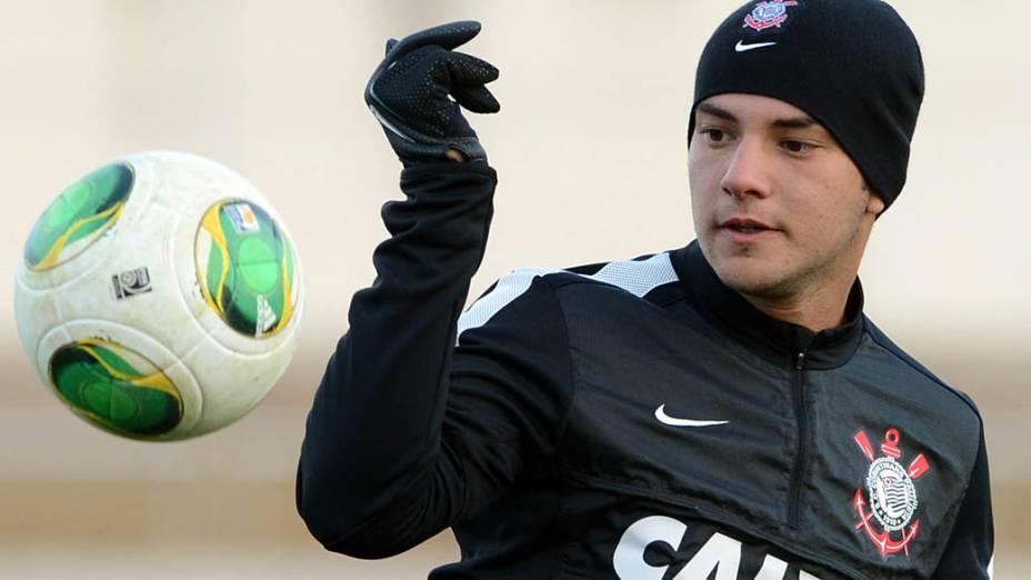 Giovanni do Corinthians treina em Kariya para o Mundial de Clubes da Fifa, no Japão