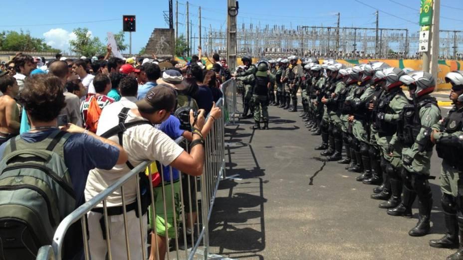 Cordão de isolamento da Polícia Militar, em Fortaleza