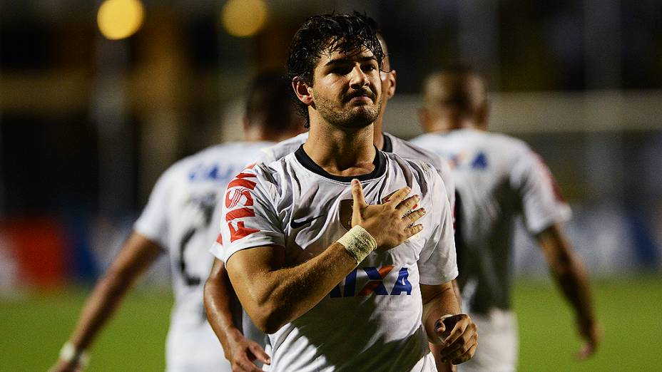 Pato comemora o primeiro gol do Corinthians contra o Tijuana